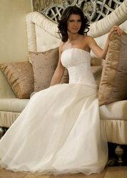 Сдам в аренду 2 свадебных платья,  оба шикарные,  расшитые